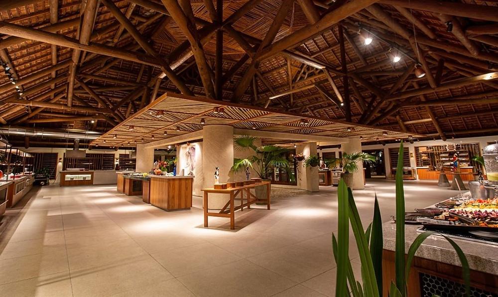 Os cinco salões de refeições e as áreas de bufê ganharam novo layout