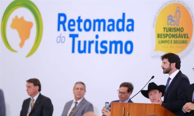 Ministro Marcelo Álvaro Antônio lança Plano Retomada do Turismo