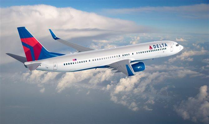 A aérea também suspendeu a taxa para todos os bilhetes domésticos comprados até março de 2021