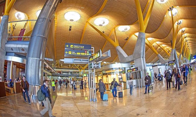 Adolfo Suárez Madrid–Barajas é o principal terminal aéreo da Espanha