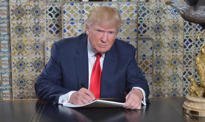 Donald Trump deixa a presidência dos Estados Unidos em janeiro de 2021