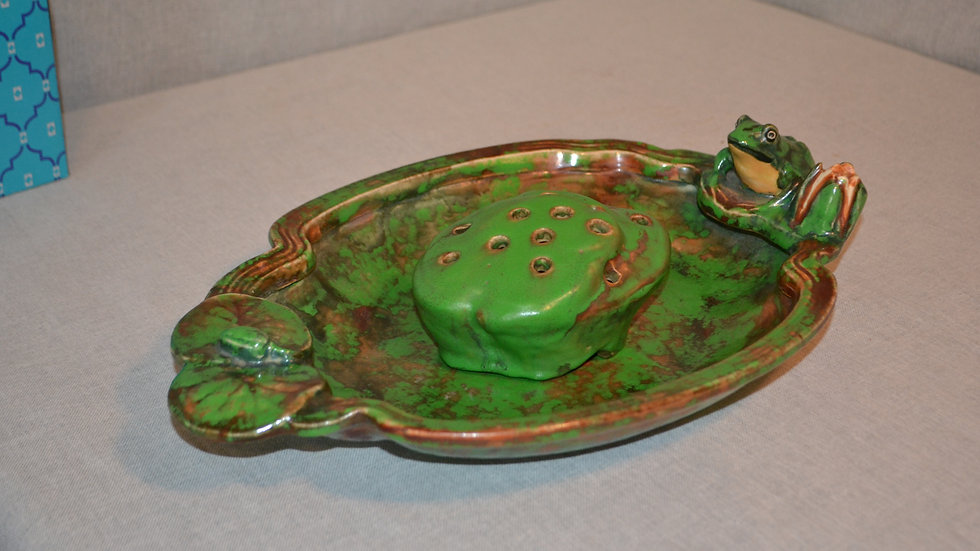 Weller  Coppertone console with frog