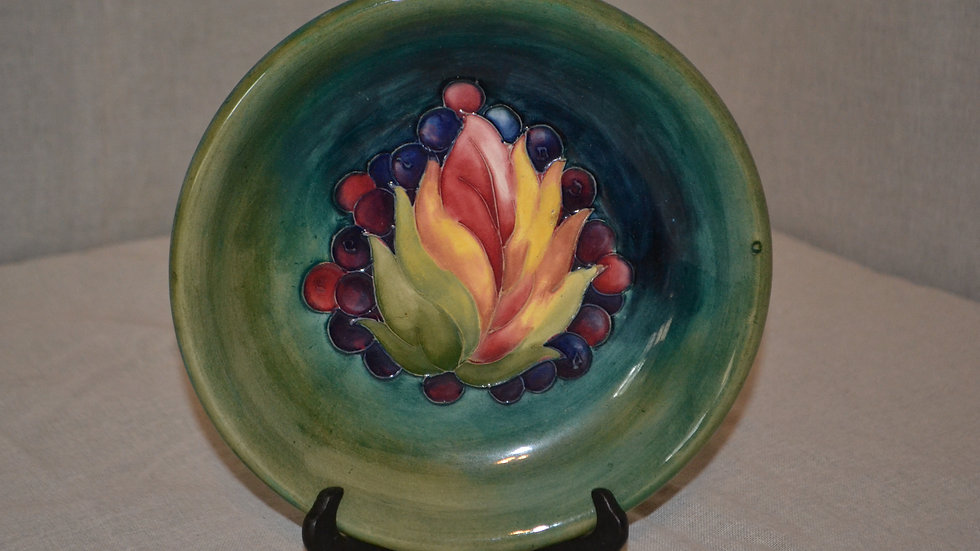 Moorcroft plate, decorated w/ grape motif