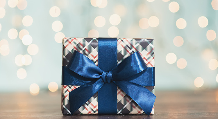 7 Reasons to List Your House This Holiday Season   MyKCM