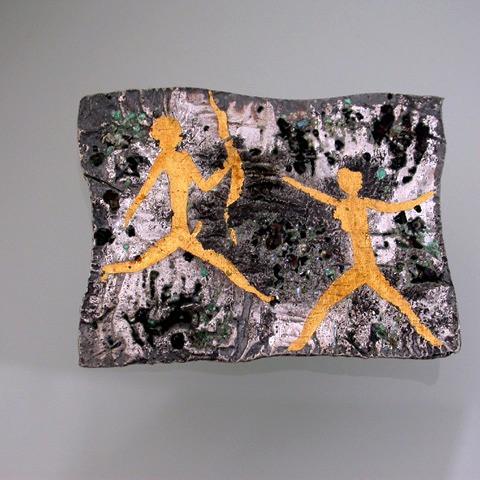 Spilla in argento reticolato oro puro e smalti a fuoco. Microfficina gioielli contemporanei