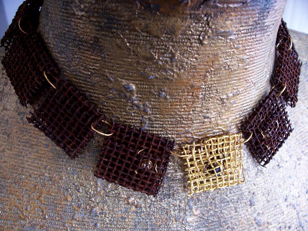 Collana a maglie in oro puro ferro, grafite  e brillanti