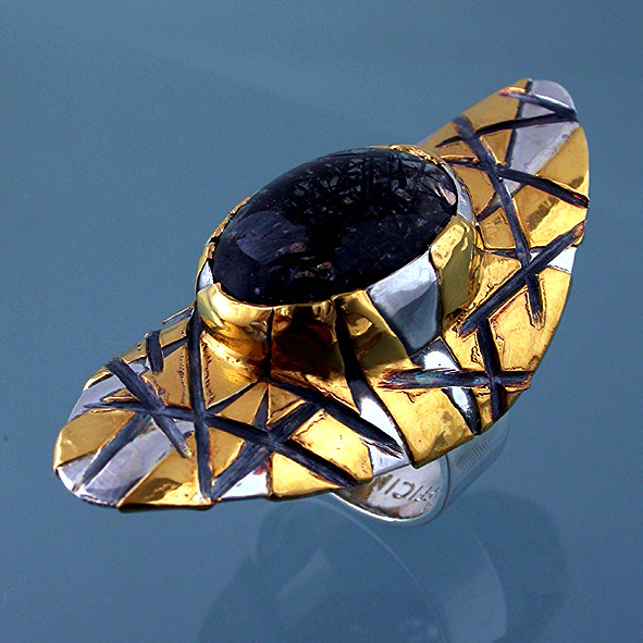 Anello in oro puro argento quarzo tormalinato. Microfficina gioielli artigianali