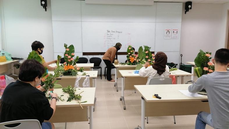 SkillsFuture@PA Basic Floral Arrangement