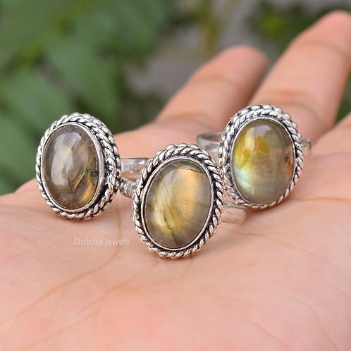 925 Sterling Silver Oval Labradorite Ring