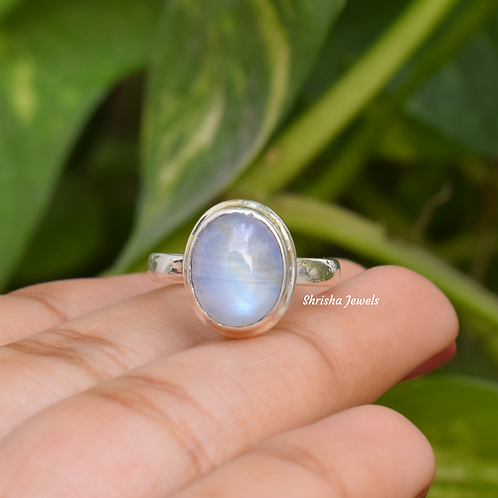 Natural Moonstone Oval Shape 925 Silver Ring