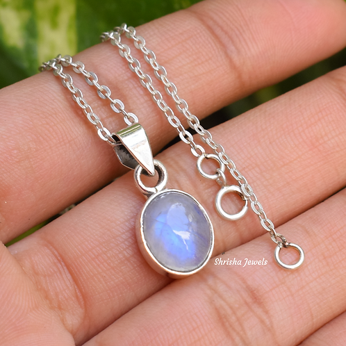 Moonstone Oval Shape 925 Silver Necklace