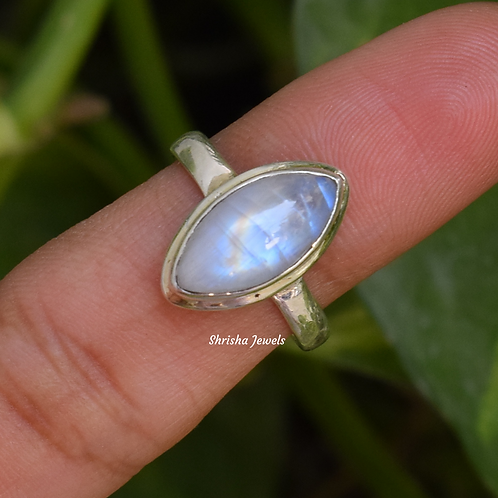 Natural Moonstone Marquise Shape 925 Silver Ring