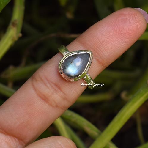 Natural Labradorite Pear Shape 925 Silver Ring