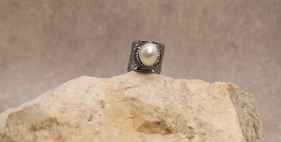 Extravaganter grosser Ring mit Barocksüsswasserperle - verstellbar