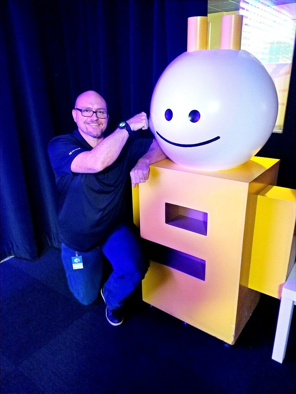 Jeremy next to the Channel 9 Mascot