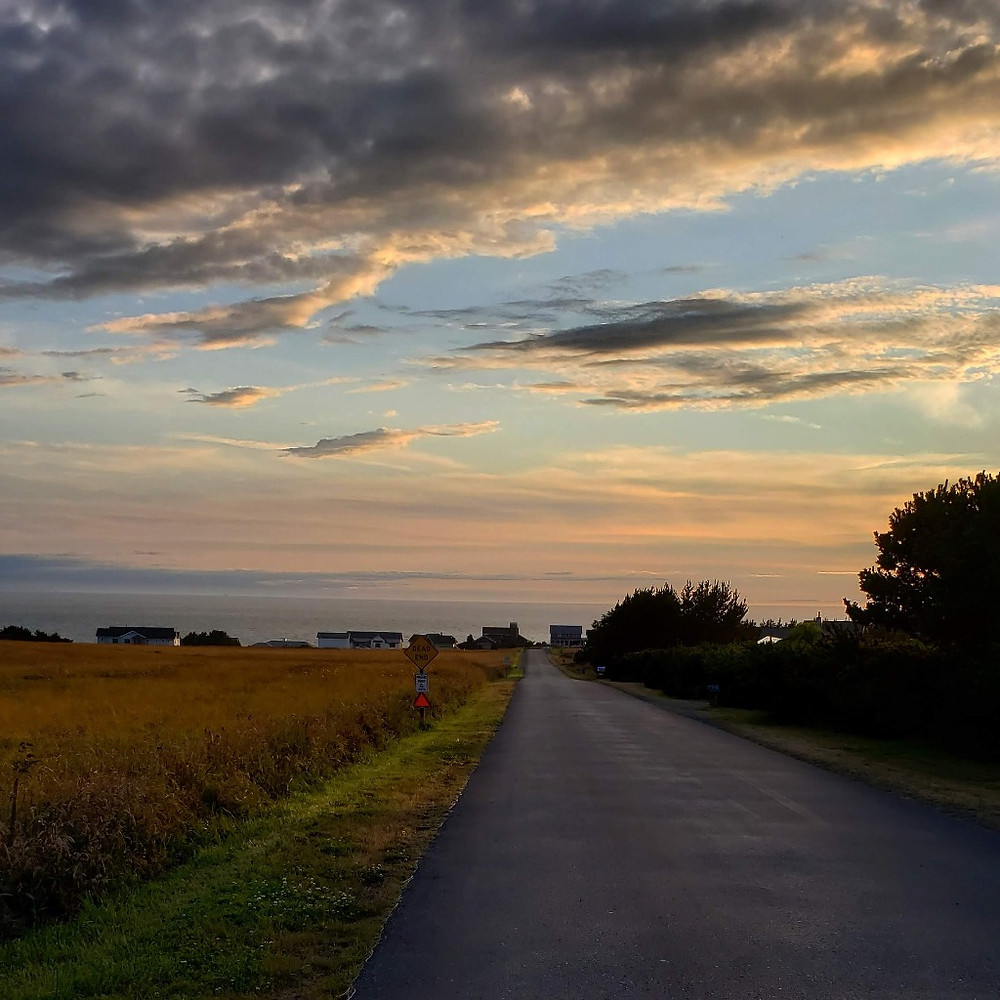 A road with a stunning view of the horizon.