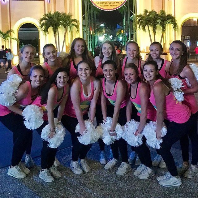 Chatfield Varsity Poms earns a spot in top 3 at 2017 Nationals