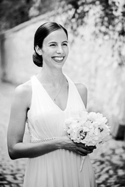 Jewish wedding bride
