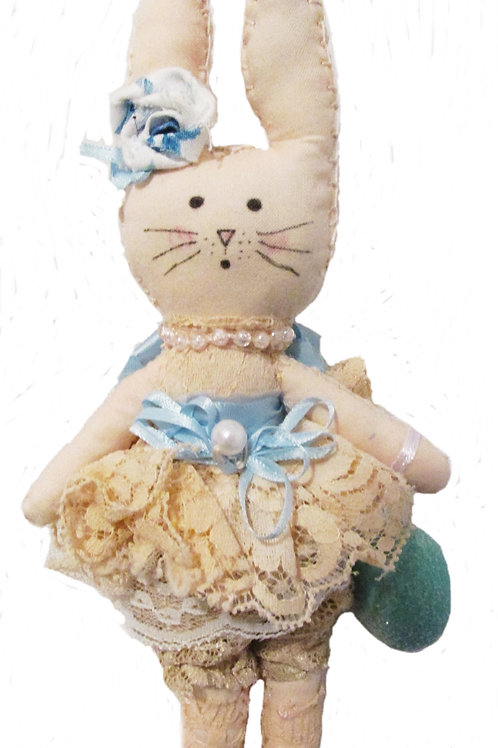 Shabby Chic Easter Egg-Lacy Lucy