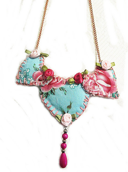 Shabby Roses Necklace