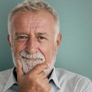 En CLINICA DENTAL ALICURA, no importa la edad, nunca es tarde para realizar una mejora en tu sonrisa