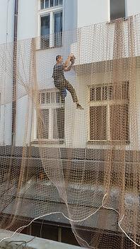 Instalace sítí a bodců proti ptactvu