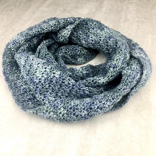 Seed Stitch Infinity Cowl - Crochet Pattern