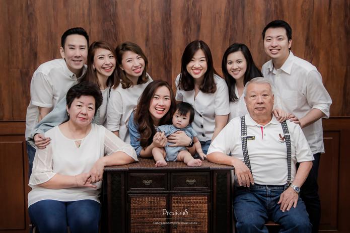 Precious Wedding | Family Portrait Photo