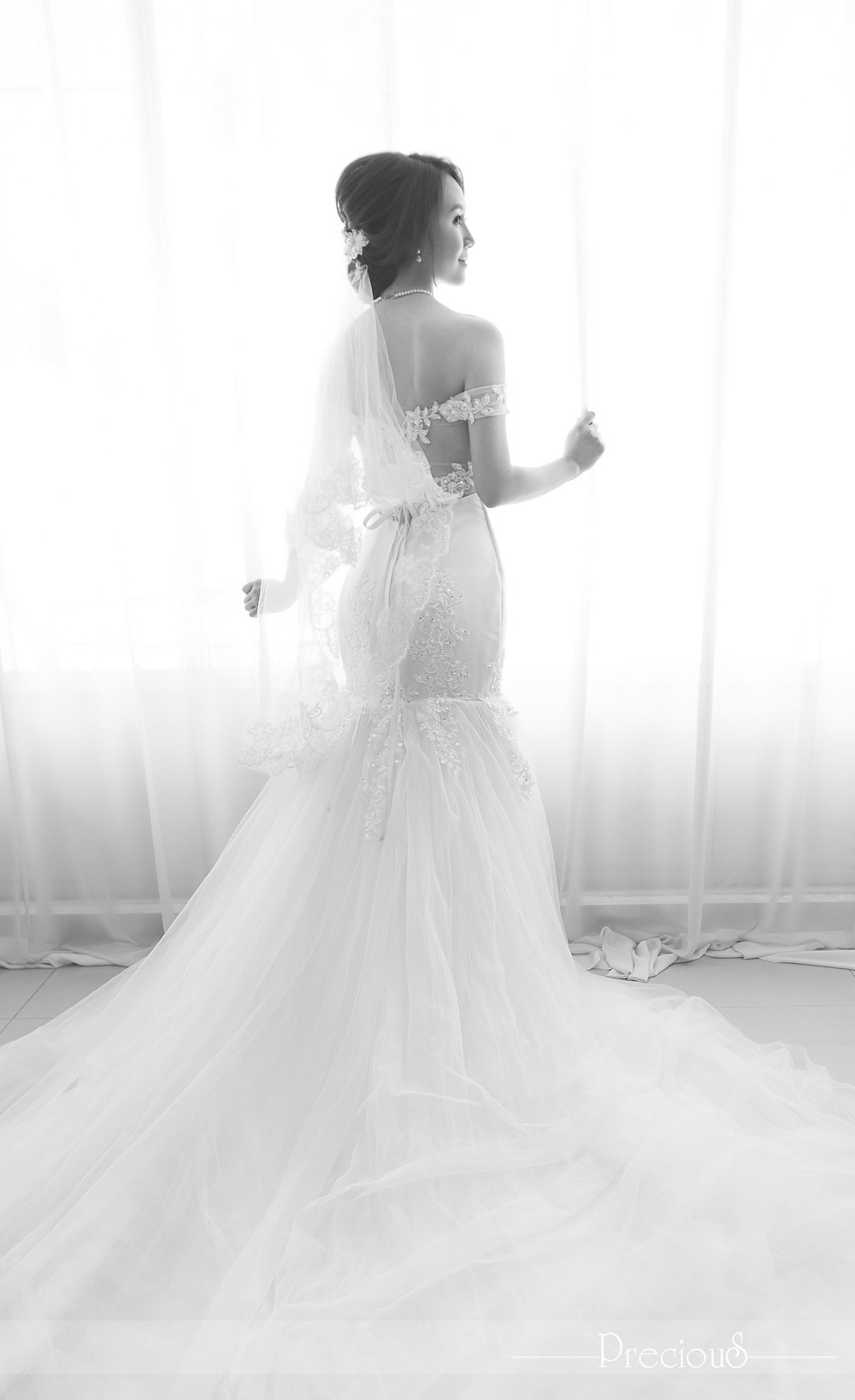 PRECIOUS WEDDING | Off-the-shoulder sheer lace long trumpet dress