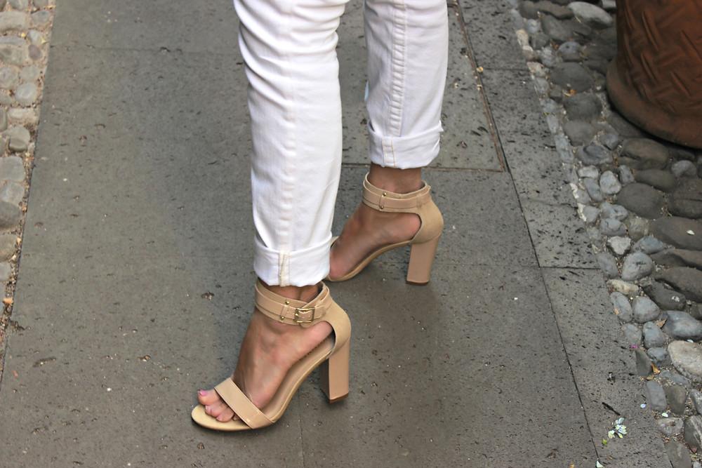 Zapatos nude de pulsera