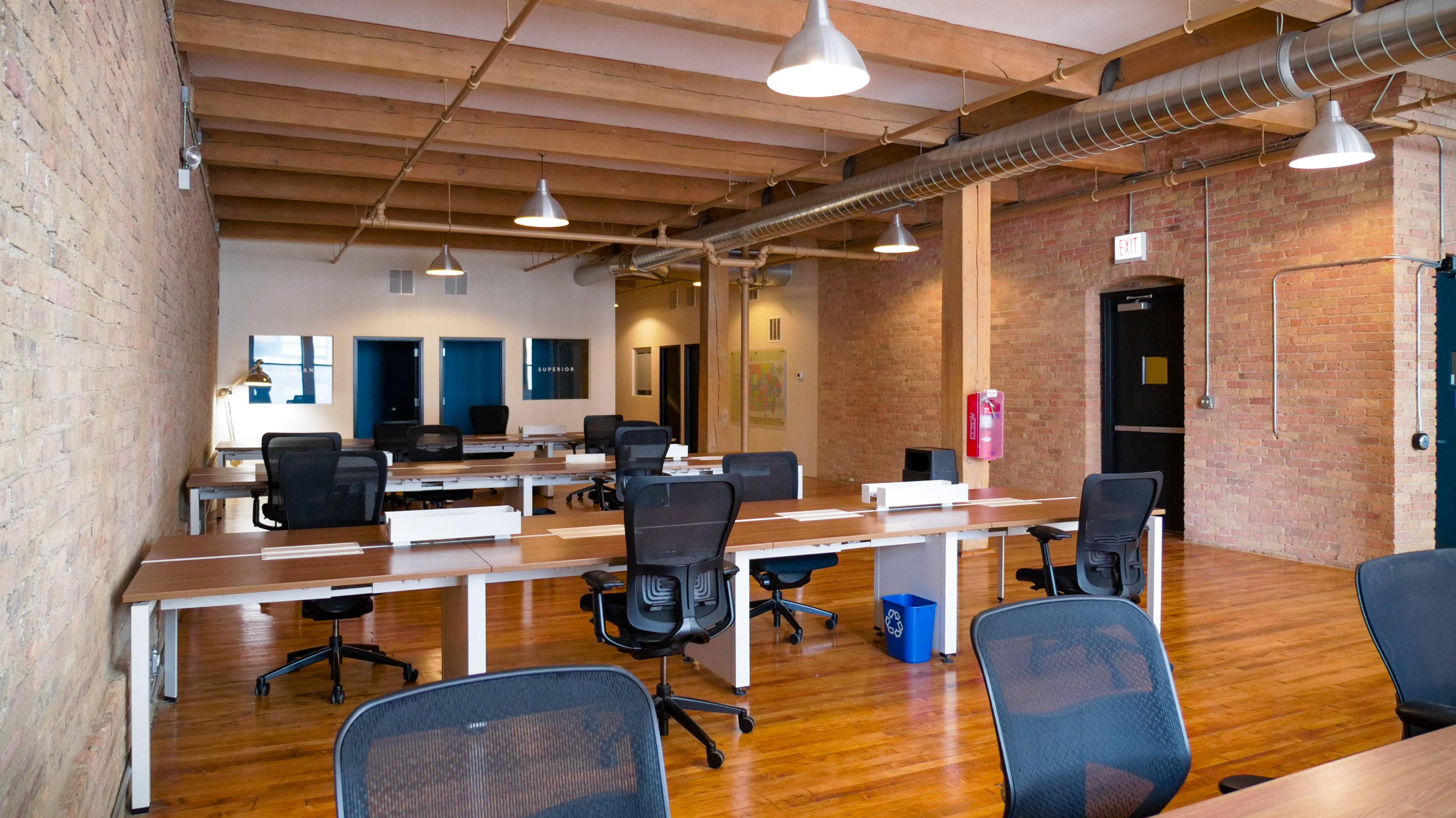 Large Team Office - Unit 400 (Leased)