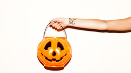 """Don't be a mad scientist this Halloween! 5 tips for avoiding """"Frankenfoods"""""""