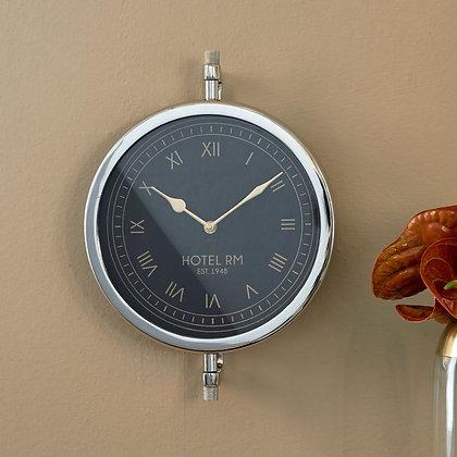 Horloge RM Hotel wall