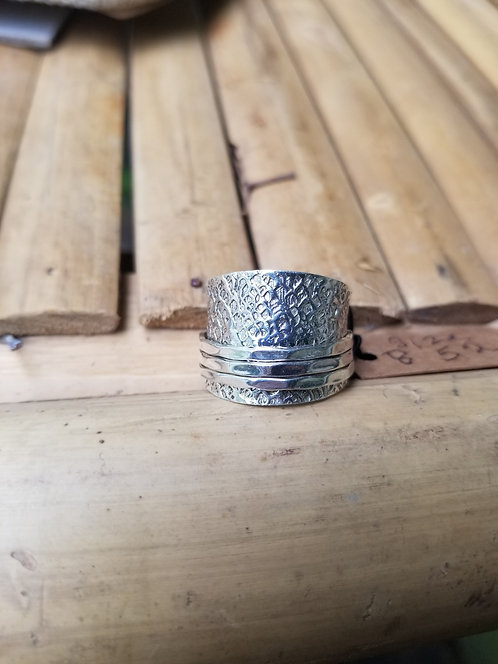 Hammered Three Band Spin Ring