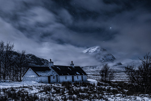 BLACK ROCK COTTAGE by MOONLIGHT