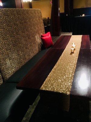Movable Banquette Seating Means Customized Room Set-ups for You