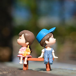 adorable-bench-blurred-background-176743