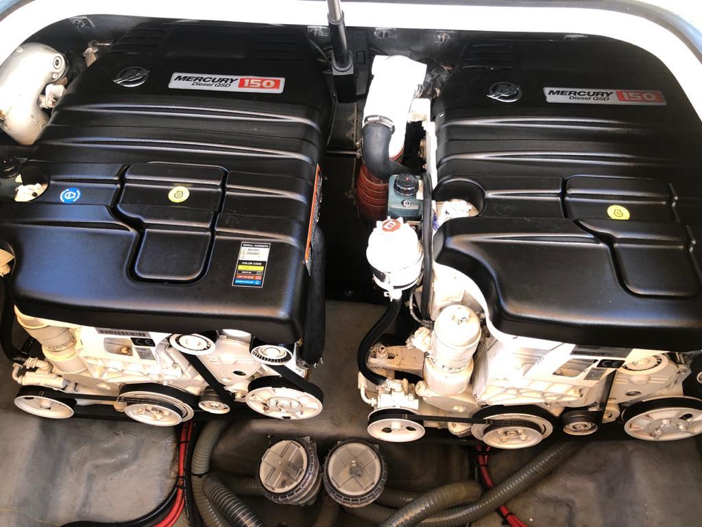 10280 - Phantom 300 2012 2 x Merc 150D (
