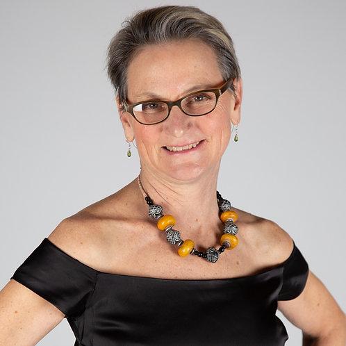 Dr Annie DeGroot