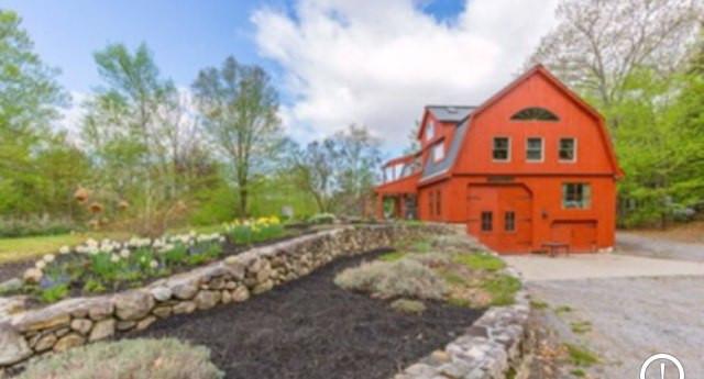 Maine Timberframed Barn House