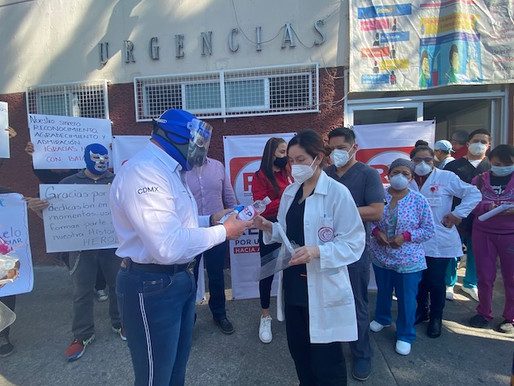 Apoyan Blue Demon Jr. y RSP-CDMX a Hospital General La Villa con kits sanitarios