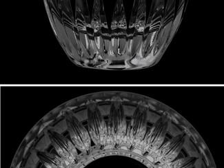 バカラのグラスに名前を刻む。