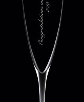 バカラグラスに名入れドンペリ。