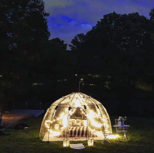 Under the Stars, a night in a igloo