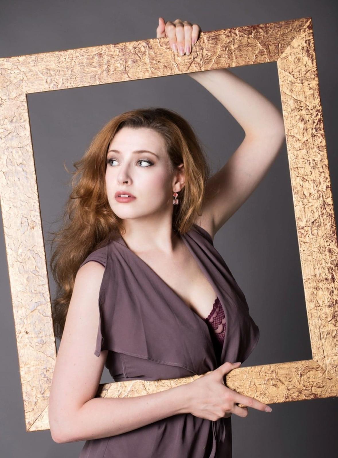 Sarah Faire Nude Photos 3