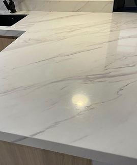 quartz_stone_kitchen_counterto_1625301110_be905877_progressive.jpg