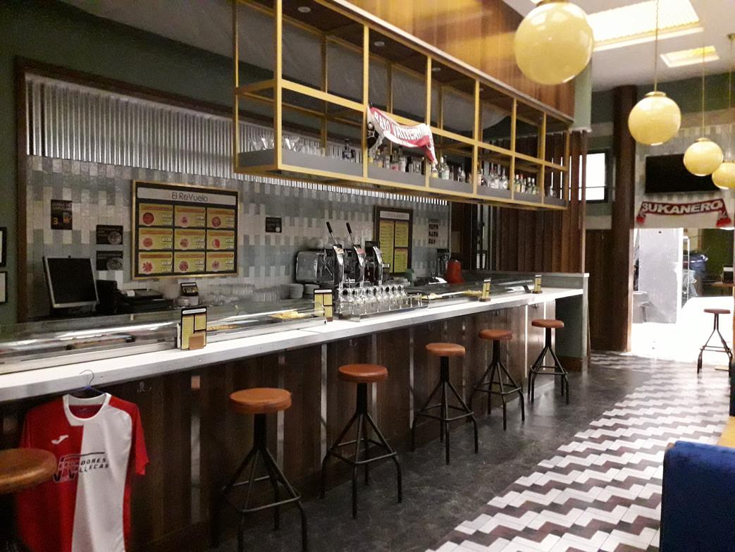 Bar restaurante El Revuelo - Estoy Vivo