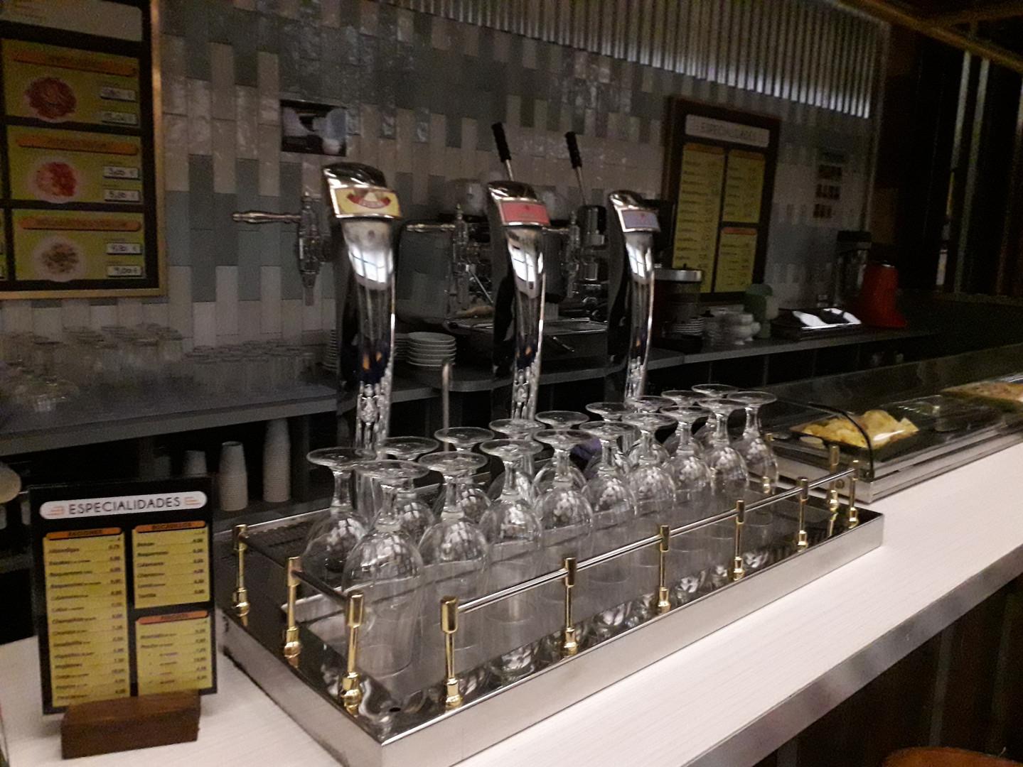 Instalación grifos cerveza - El Revuelo