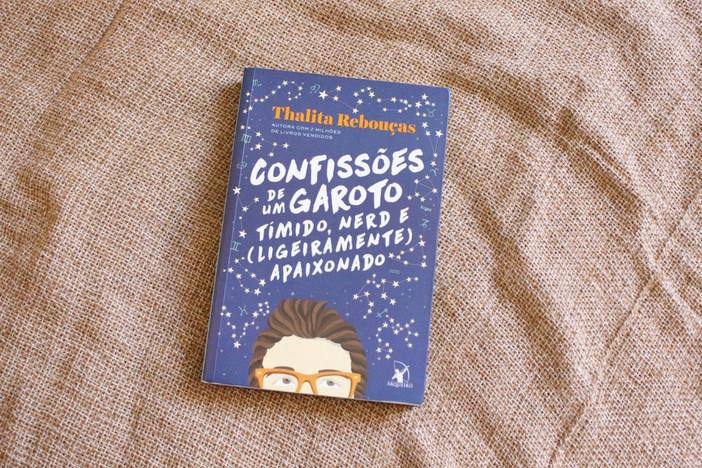 """""""Confissões de um garoto tímido, nerd e (ligeiramente) apaixonado"""", de Thalita Rebouças"""