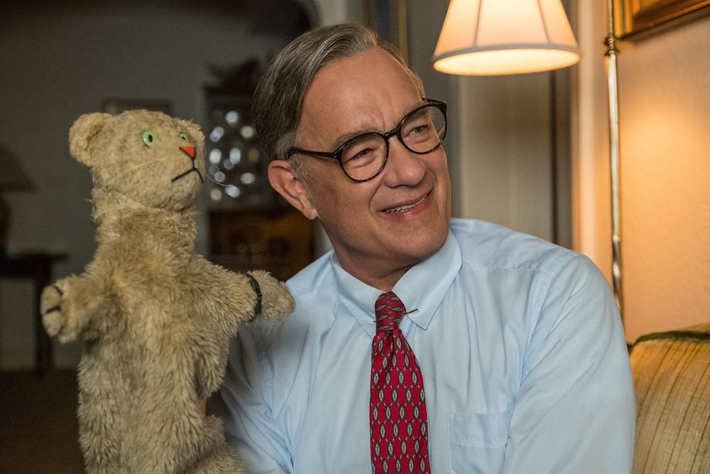 """Tom Hanks em """"Um Lindo Dia na Vizinhança"""""""